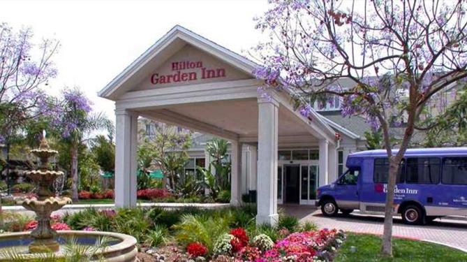 hilton-garden2